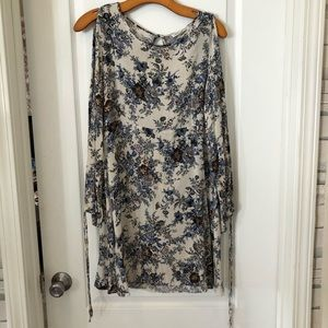 Floral mini dress with shoulder and back cutout